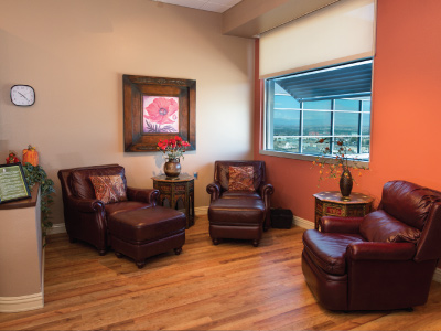 UNM Family room with comfy chairs for family